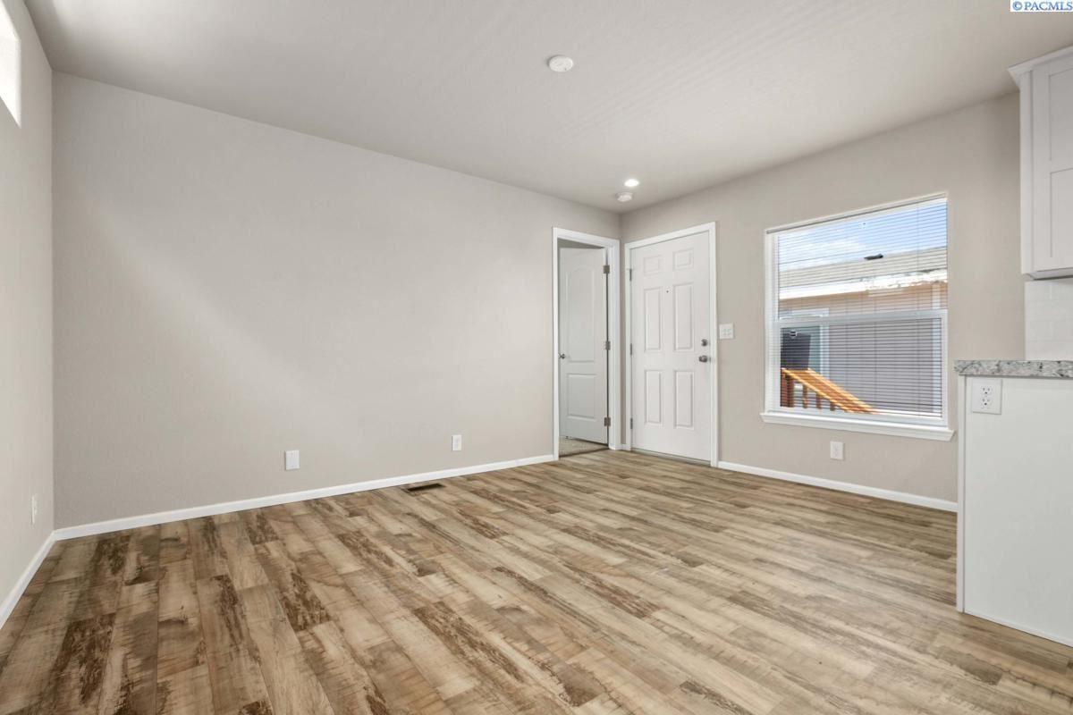 Photo of 55 W Washington Ave # 171, Yakima, WA 98903 (MLS # 249205)