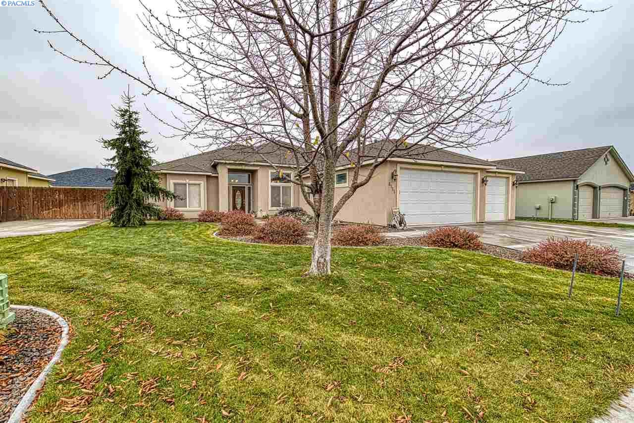 Photo of 8711 W Clearwater Pl, Kennewick, WA 99336 (MLS # 250229)