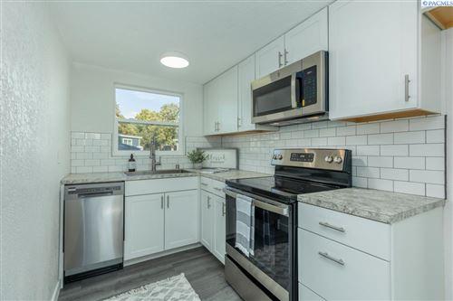 Photo of 105 E 13th Ave, Kennewick, WA 99337 (MLS # 257250)