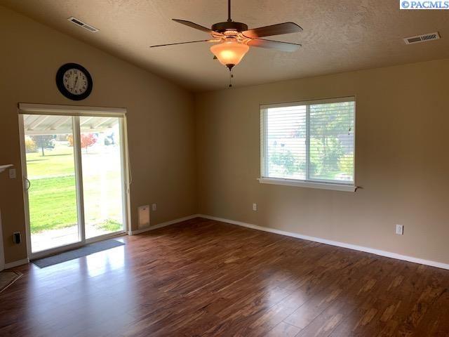 Photo of 7903 W 6th Ave, Kennewick, WA 99336 (MLS # 257284)