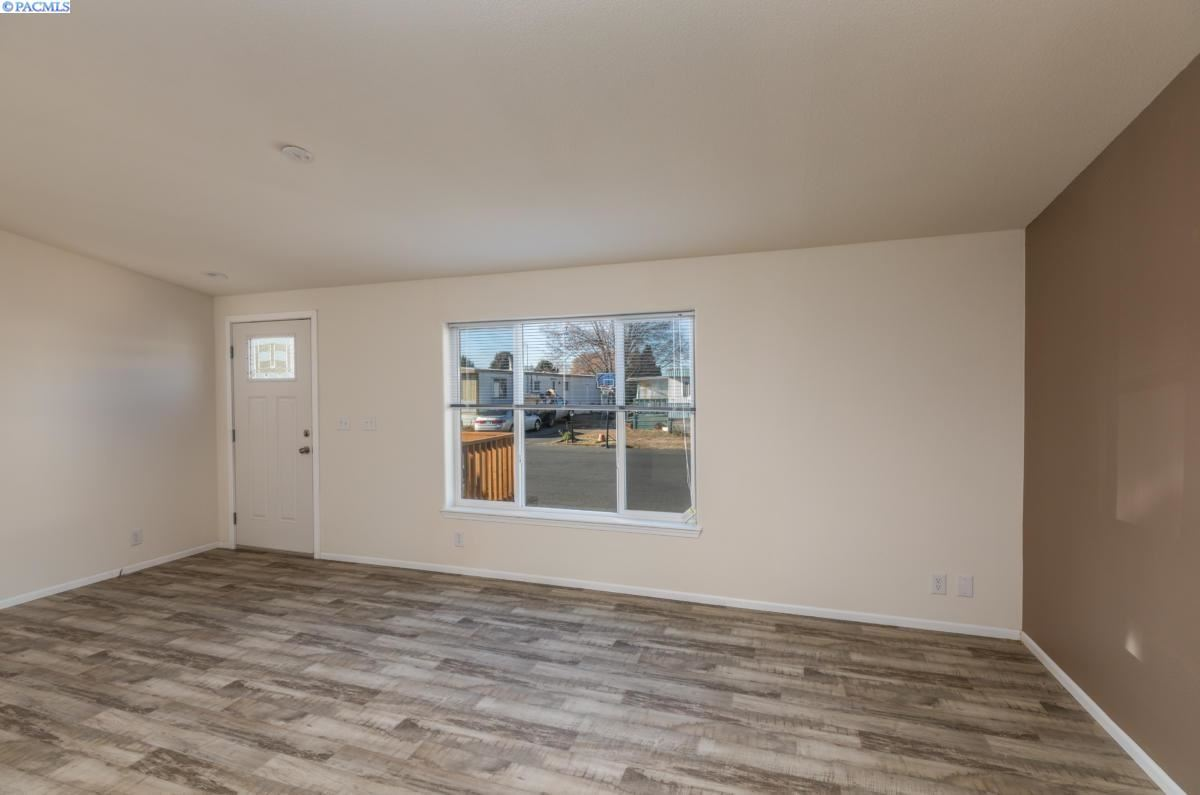 Photo of 2205 Butterfield Rd #252, Yakima, WA 98901 (MLS # 249309)