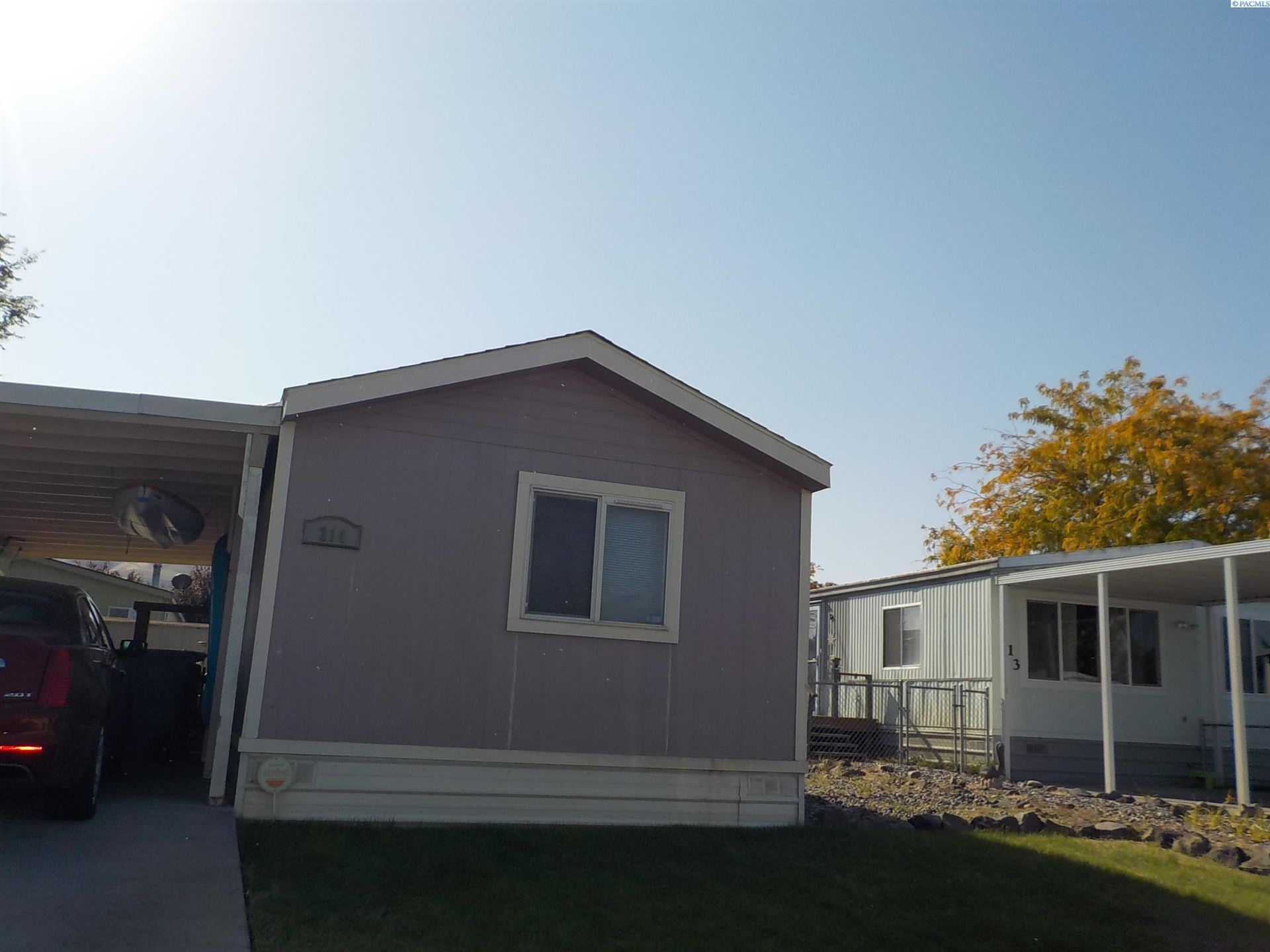 Photo of 214 Crestwood Drive, Richland, WA 99352 (MLS # 257313)
