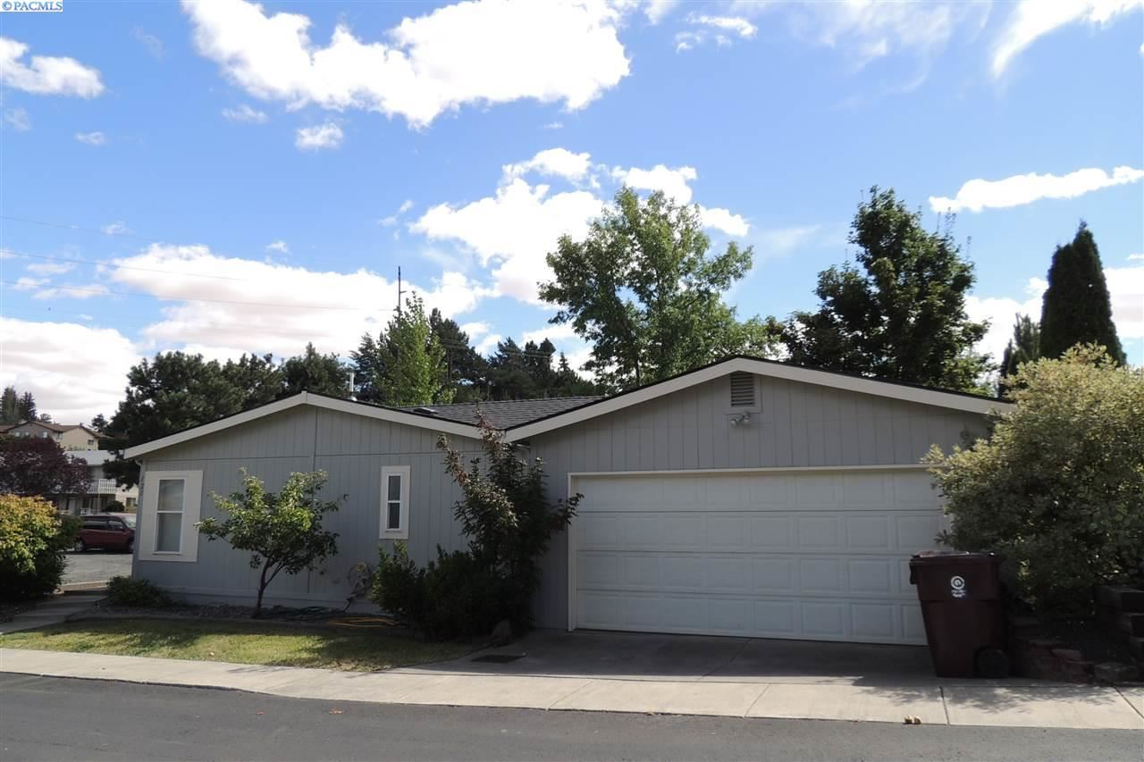Photo of 121 NW Parkwood Blvd, Pullman, WA 99163-2857 (MLS # 248318)
