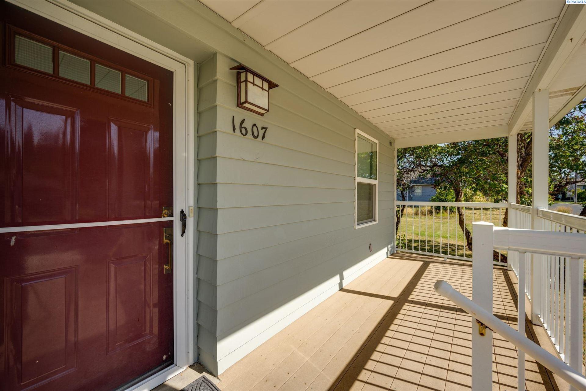 Photo of 1607 N Cedar St, Colfax, WA 99111 (MLS # 256327)