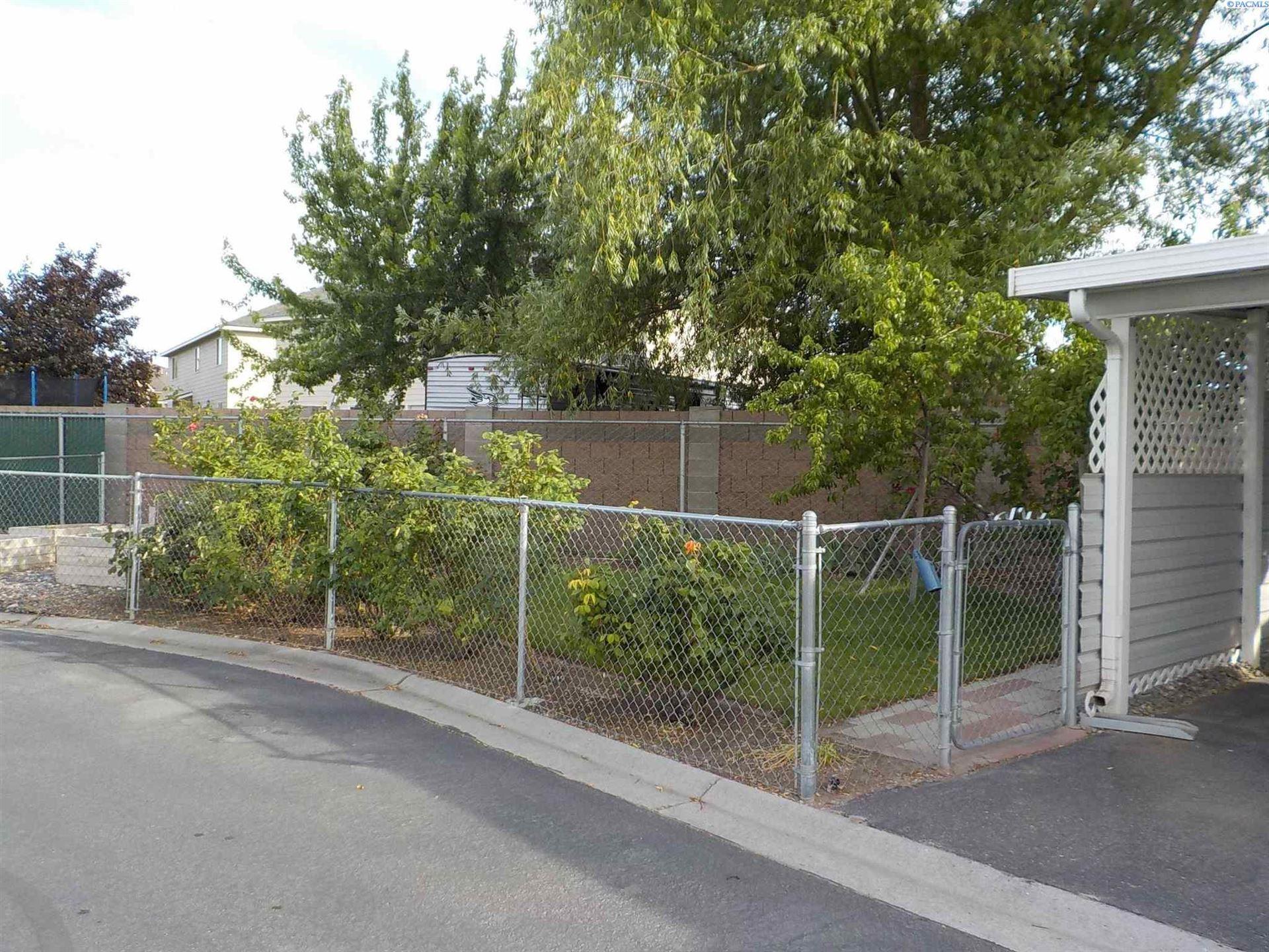 Photo of 7901 W Clearwater Avenue unit 20, Kennewick, WA 99336 (MLS # 254345)