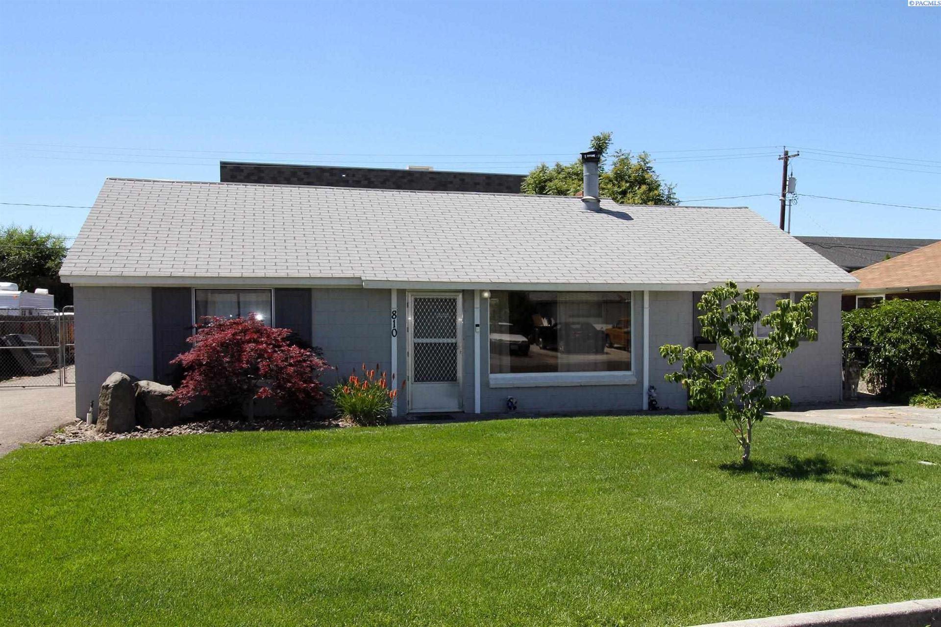 Photo of 810 S Ione St, Kennewick, WA 99336-5509 (MLS # 254362)