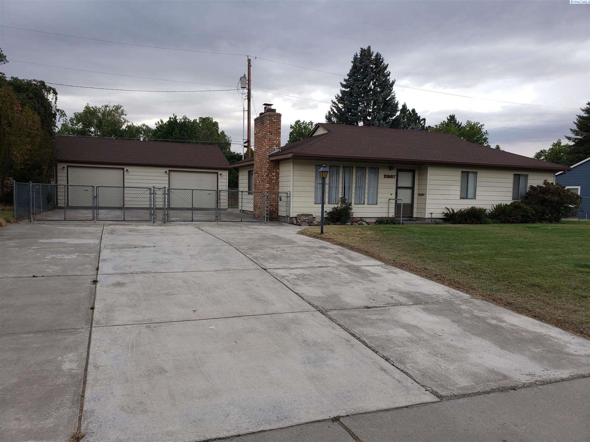 Photo of 2307 Torbett Street, Richland, WA 99354 (MLS # 254371)