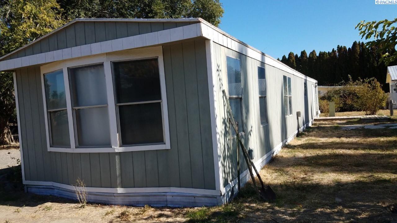Photo of 4101 W Dusty Ln, Benton City, WA 99320 (MLS # 254377)