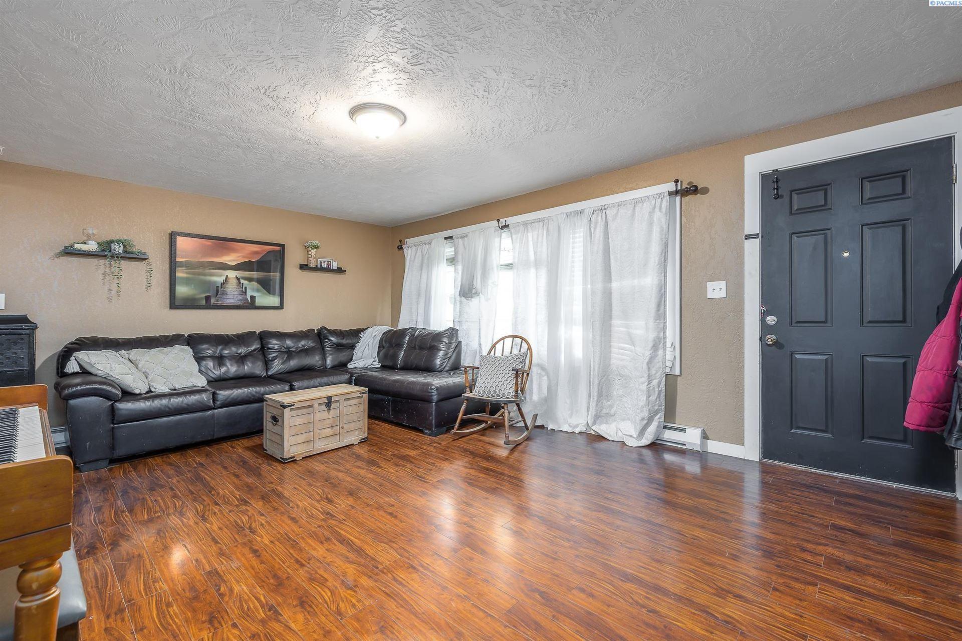 Photo of 203 S Anderson Street, Kennewick, WA 99336 (MLS # 257431)