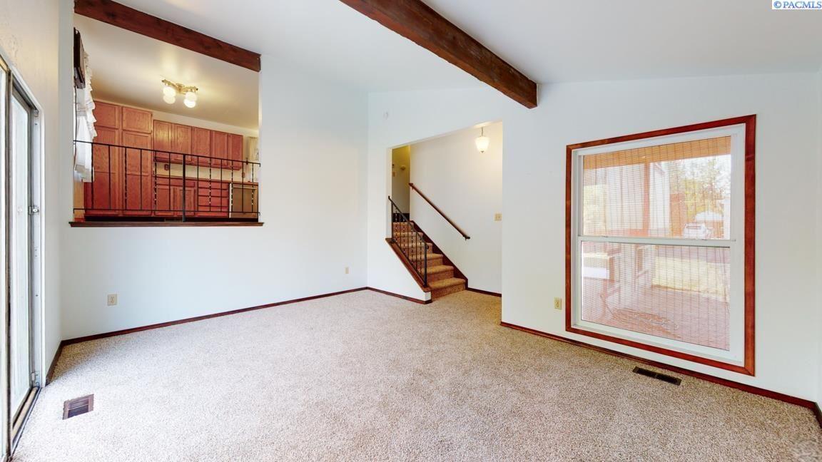 Photo of 1717 S Everett Place, Kennewick, WA 99337 (MLS # 257435)