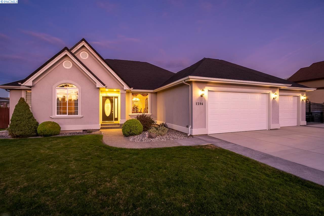Photo of 1394 Cortland Ave., Richland, WA 99352 (MLS # 249499)