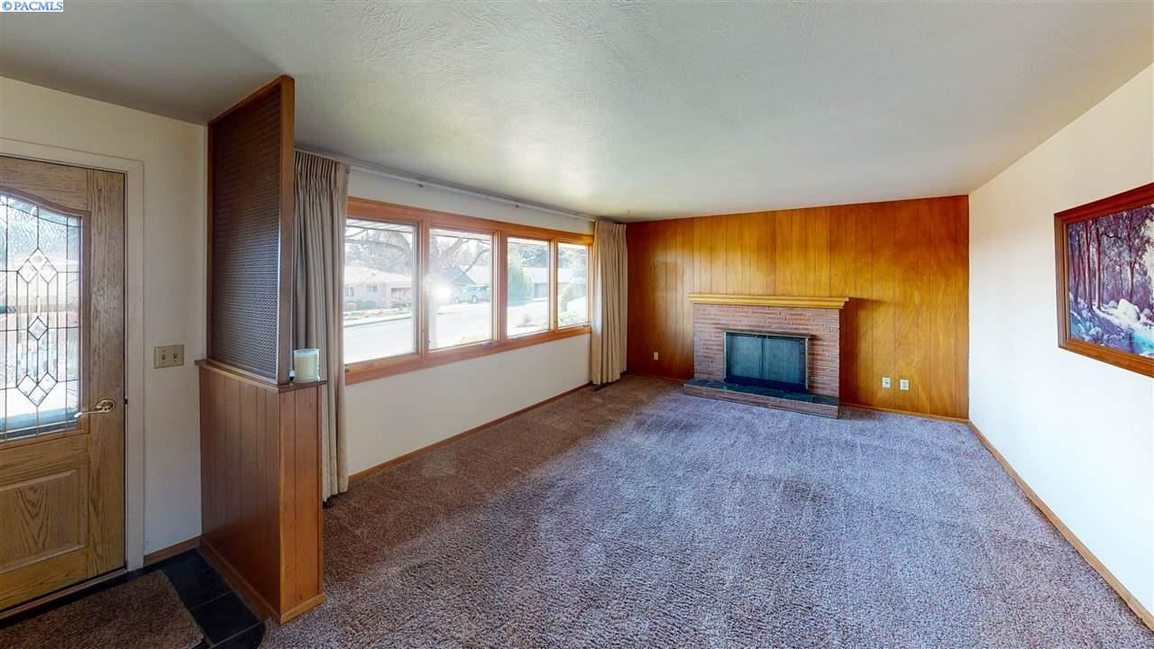 Photo of 300 NW Joe St., Pullman, WA 99163 (MLS # 244522)