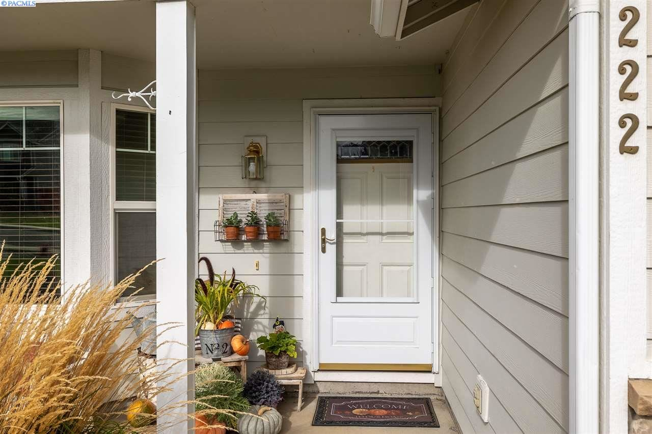 Photo of 222 W 53rd Ave, Kennewick, WA 99337-4550 (MLS # 249547)