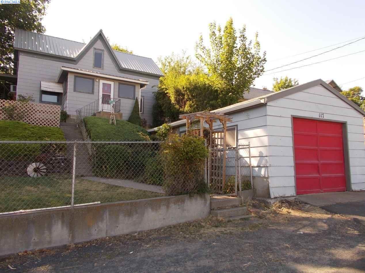 Photo of 117 N Cherry St, Colfax, WA 99111 (MLS # 247568)