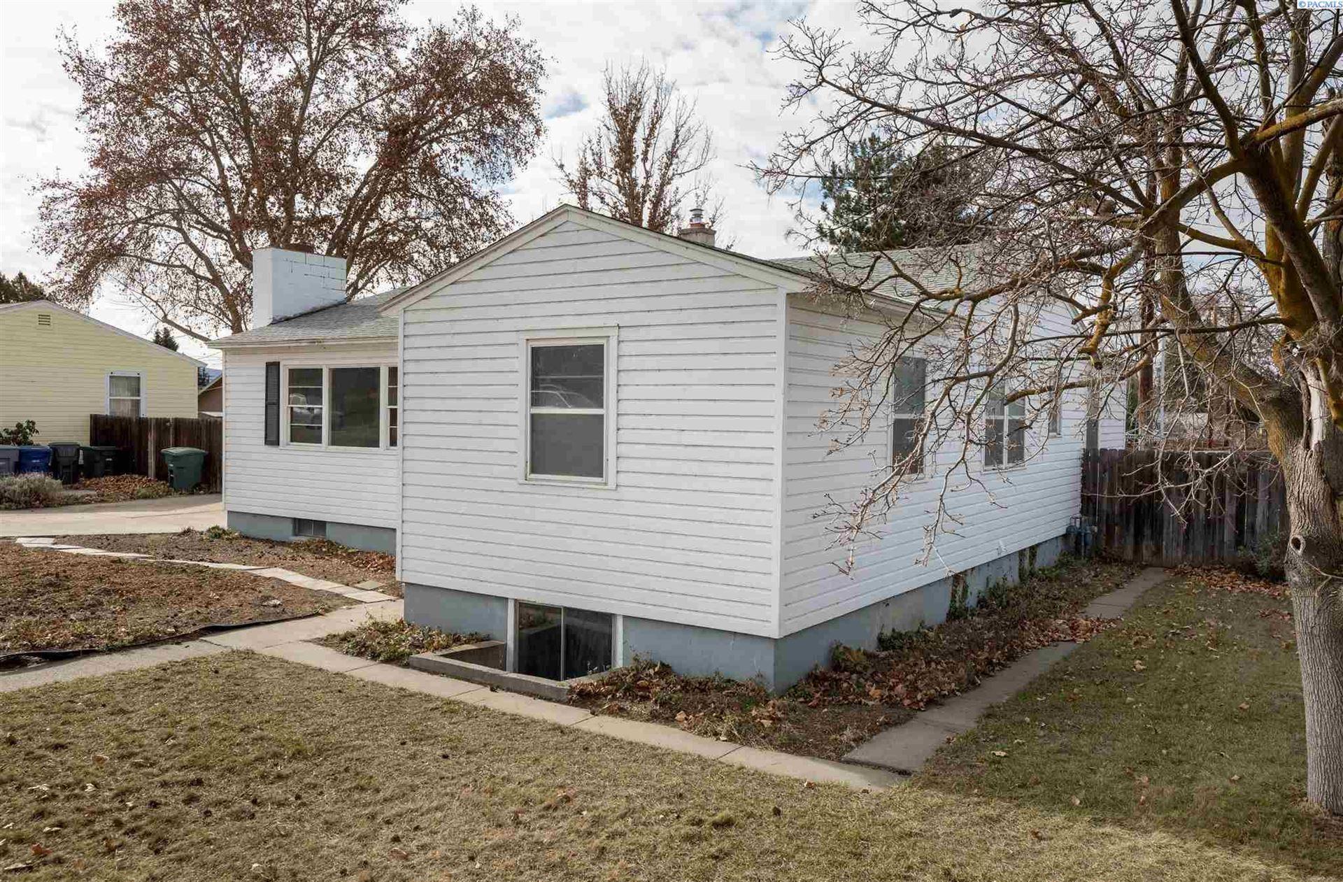 Photo of 1943 Davison Ave, Richland, WA 99354 (MLS # 251575)