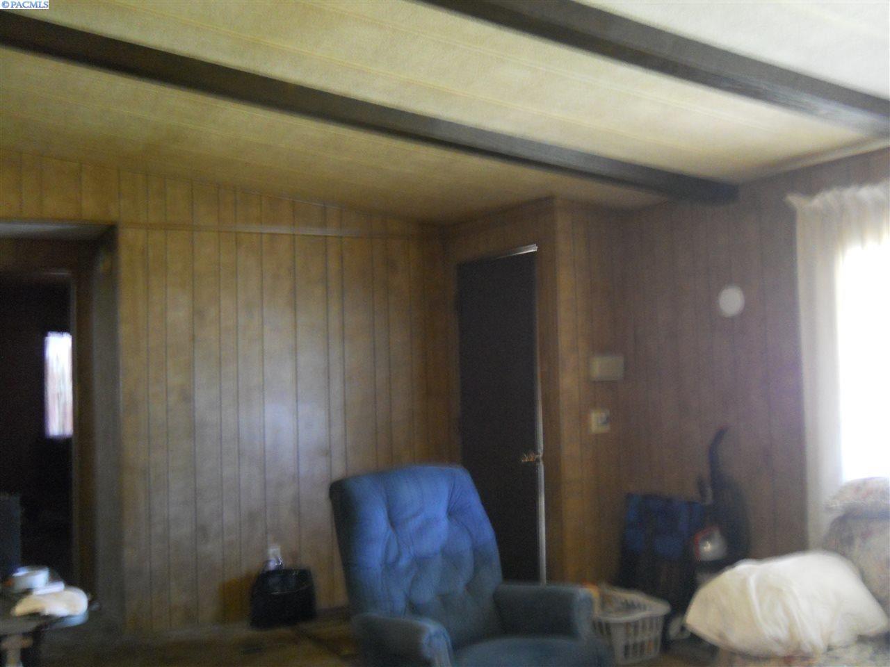 Photo of 609 Beverly Lane, Granger, WA 98932 (MLS # 247581)