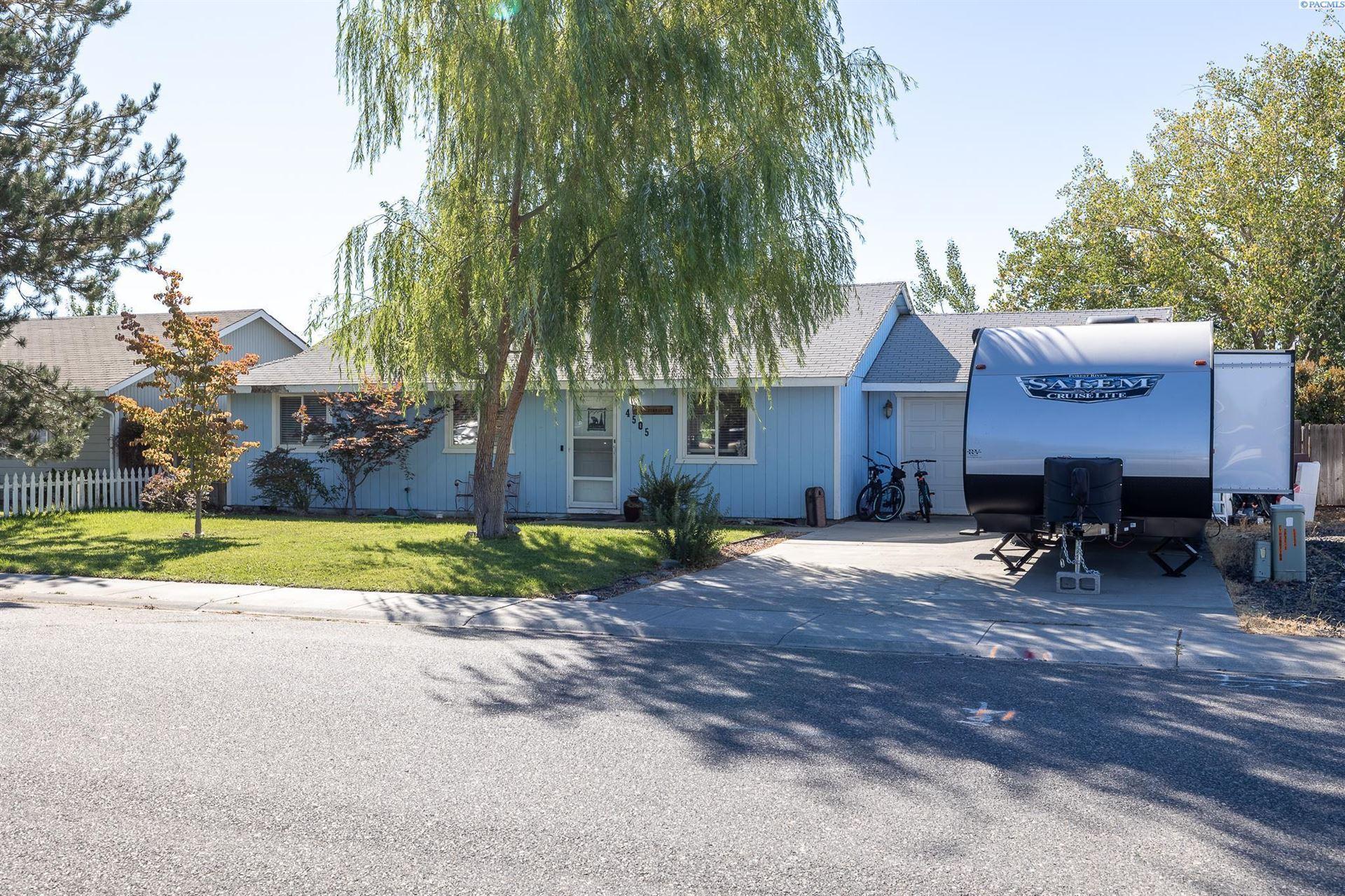 Photo of 4505 Holly Way, West Richland, WA 99353 (MLS # 256606)