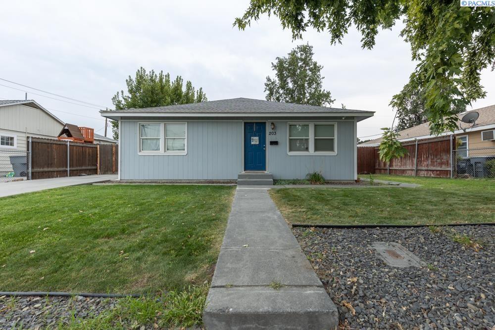 Photo of 203 Adams St, Richland, WA 99352 (MLS # 256650)