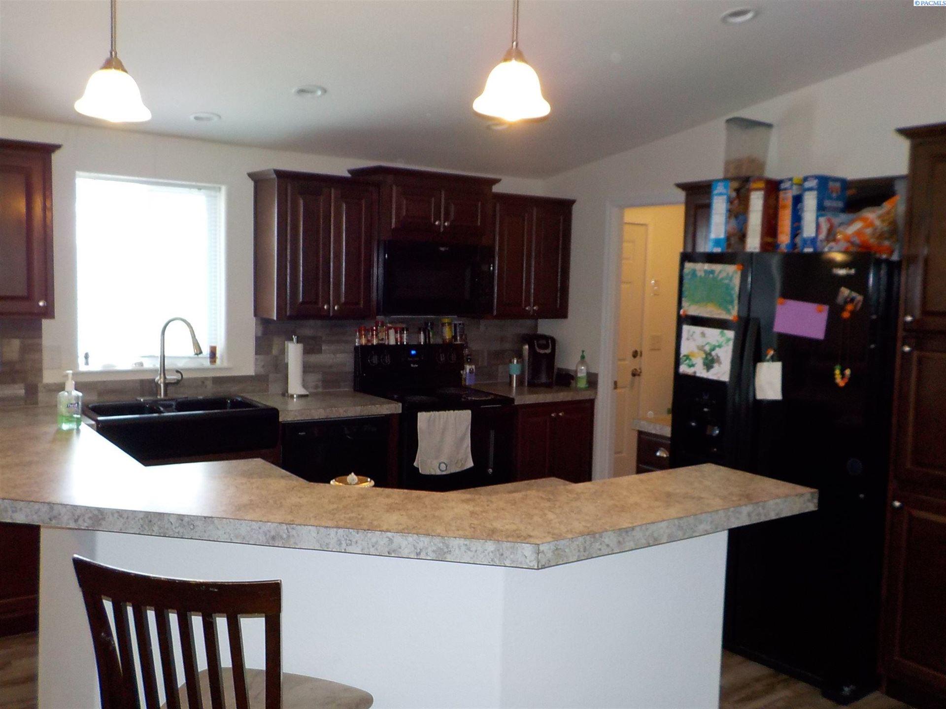 Photo of 2021 Mahan Avenue #K-8, Richland, WA 99354 (MLS # 251682)