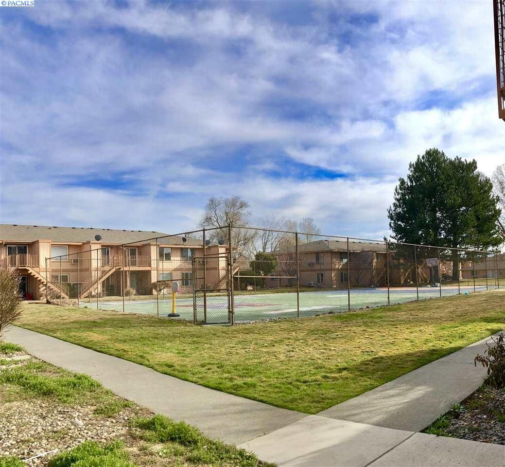 Photo of 3121 W Hood Ave #I-206, Kennewick, WA 99336 (MLS # 244695)