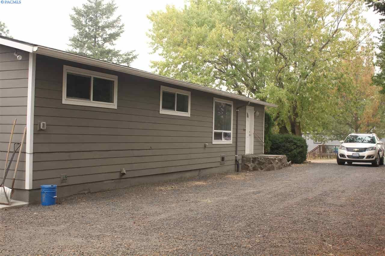 Photo of 620 NW Fisk, Pullman, WA 99163 (MLS # 248710)