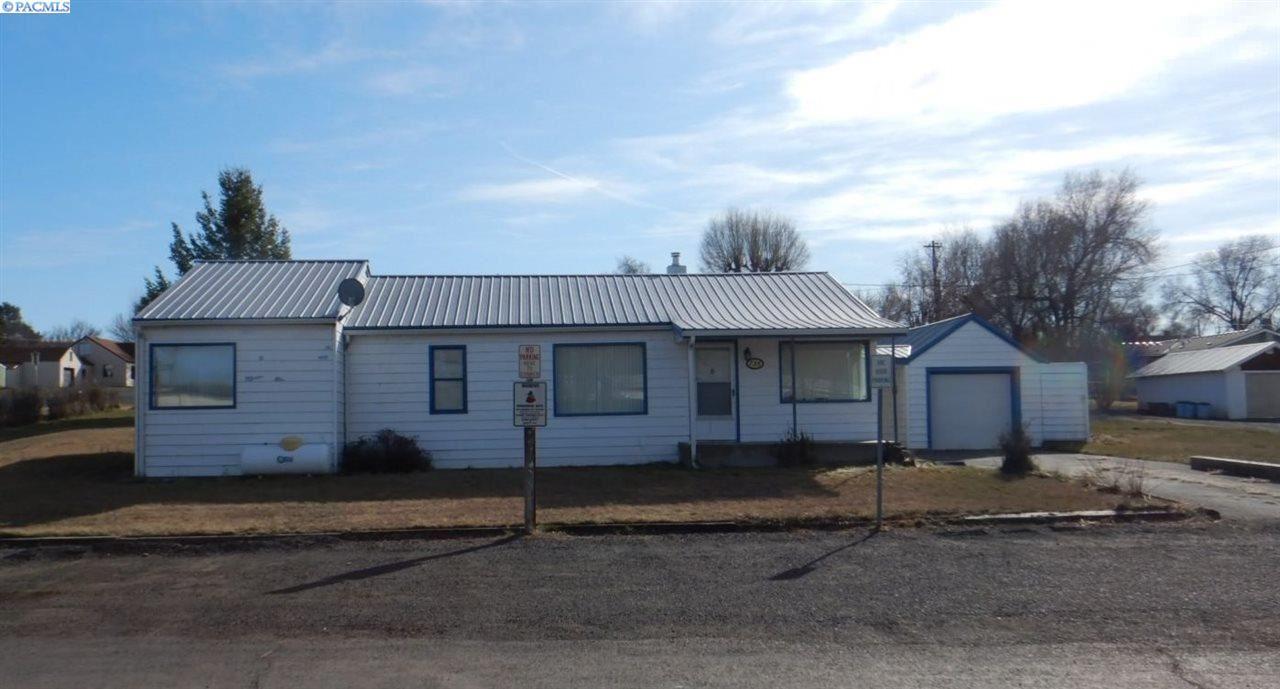 Photo of 735 E Booth Ave, Washtucna, WA 99371-0000 (MLS # 245716)