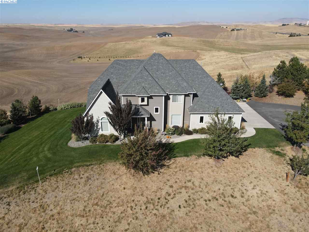 Photo of 875 Country Club RD, Pullman, WA 99163 (MLS # 245750)