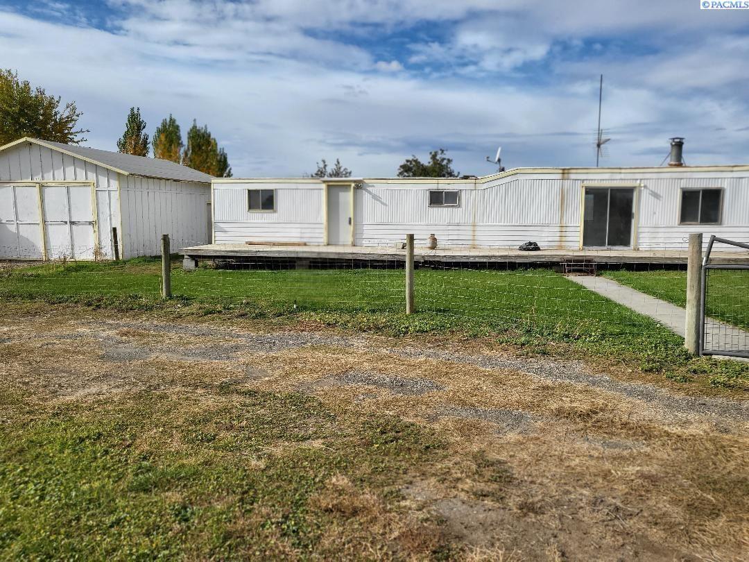 Photo of 48404 N 108 PR NW, Benton City, WA 99320 (MLS # 253754)