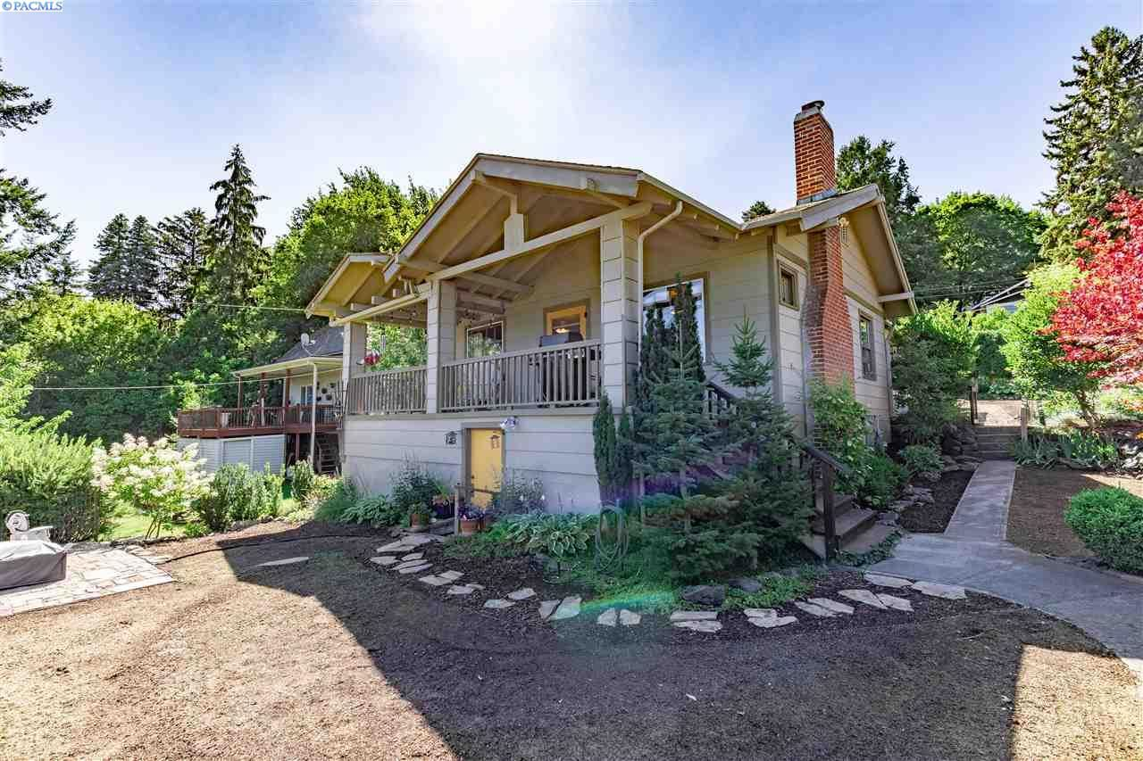Photo of 230 SE Pioneer St, Pullman, WA 99163 (MLS # 247809)