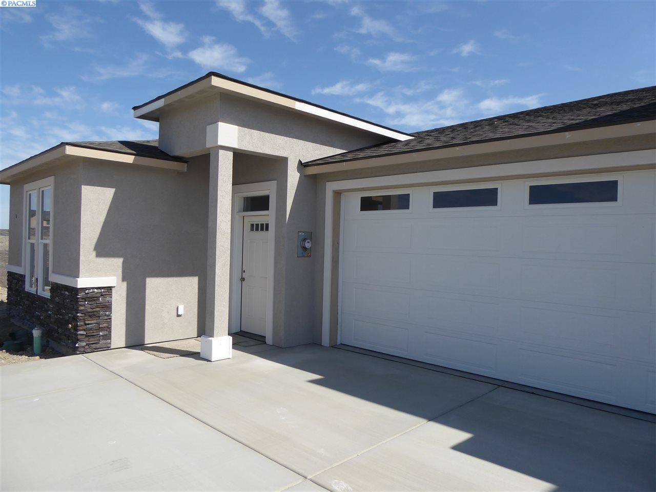 Photo of 3120 Carefree Loop, West Richland, WA 99353 (MLS # 245833)