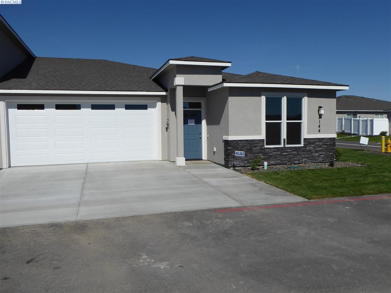 Photo of 3144 Carefree Loop, West Richland, WA 99353 (MLS # 245835)