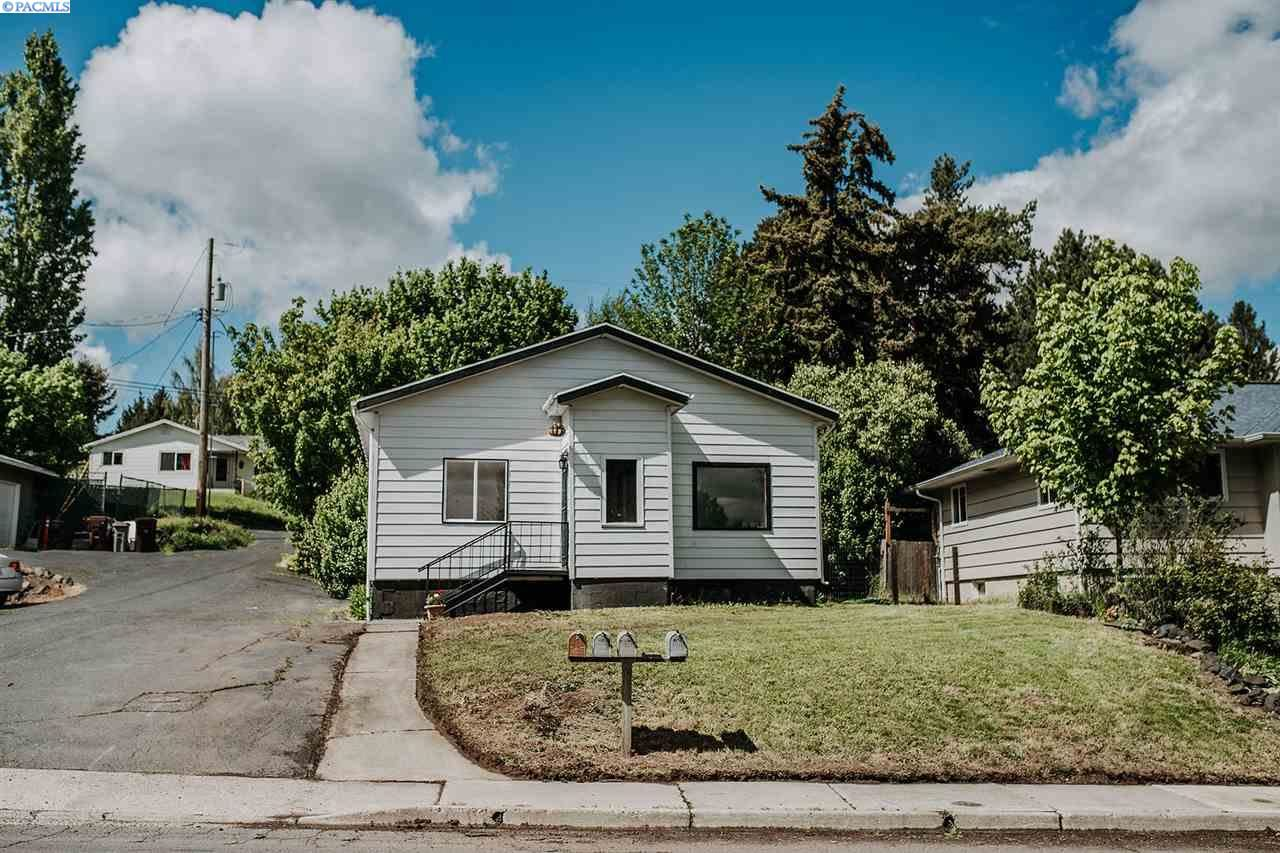 Photo of 308 NW True, Pullman, WA 99163 (MLS # 245837)