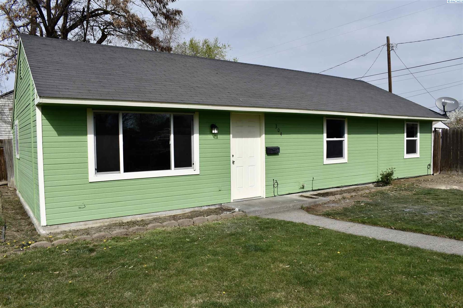 Photo of 304 N 19th Ave, Pasco, WA 99301 (MLS # 252844)
