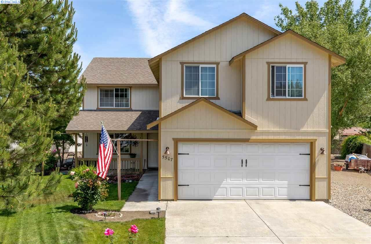 Photo of 5507 Holly Way, West Richland, WA 99353 (MLS # 245849)