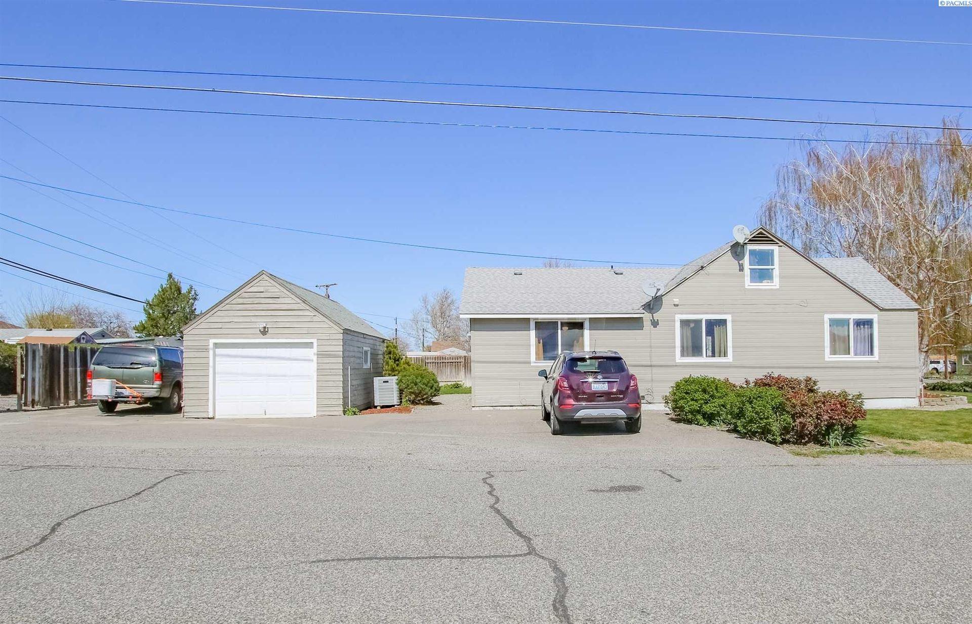 Photo of 801 9th St, Benton City, WA 99320 (MLS # 252866)