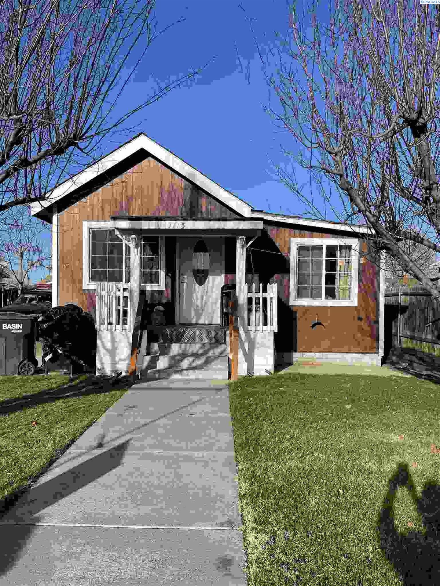 Photo of 1115 W Yakima St., Pasco, WA 99301 (MLS # 250869)