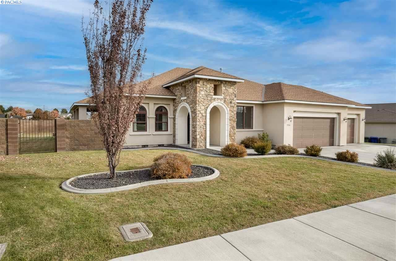 Photo of 256 Silver Meadows Dr, Richland, WA 99352 (MLS # 249872)