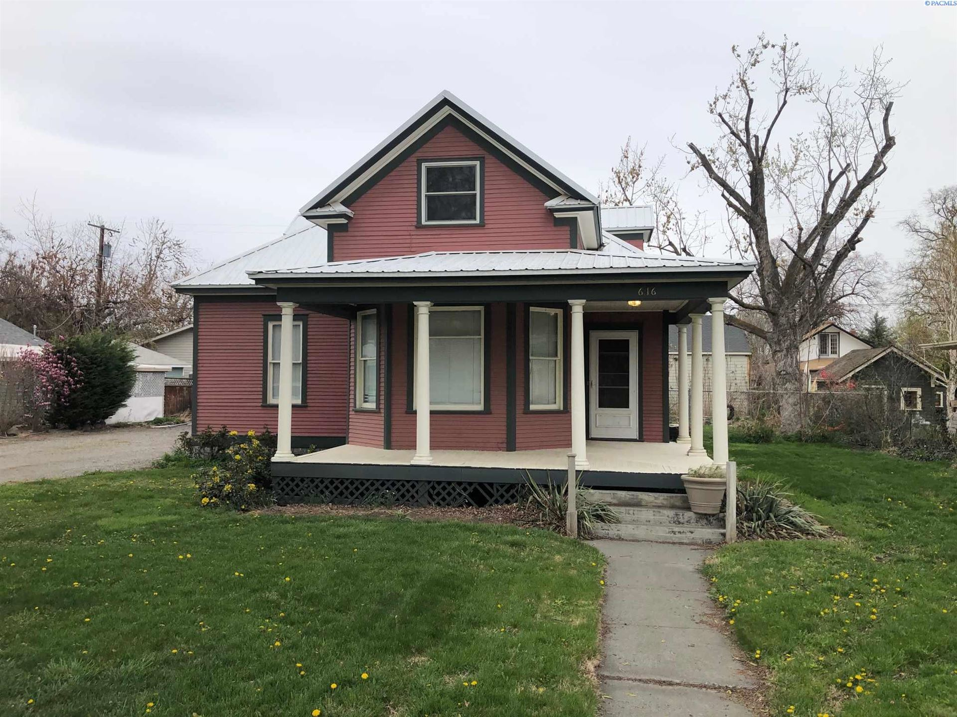 Photo of 616 W Kennewick Ave, Kennewick, WA 99336 (MLS # 252875)