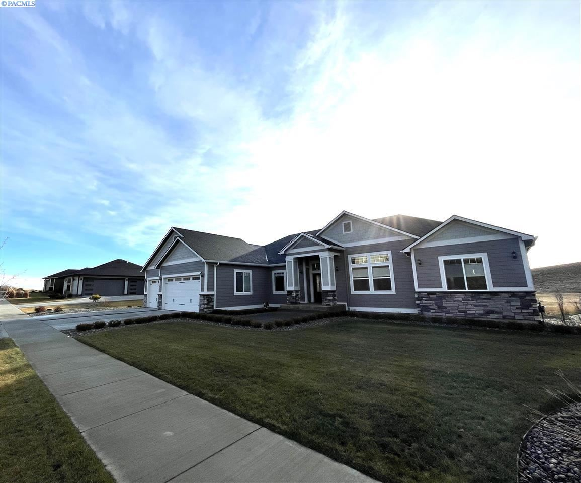 Photo of 1735 SW Barclay Ridge Dr, Pullman, WA 99163 (MLS # 246925)