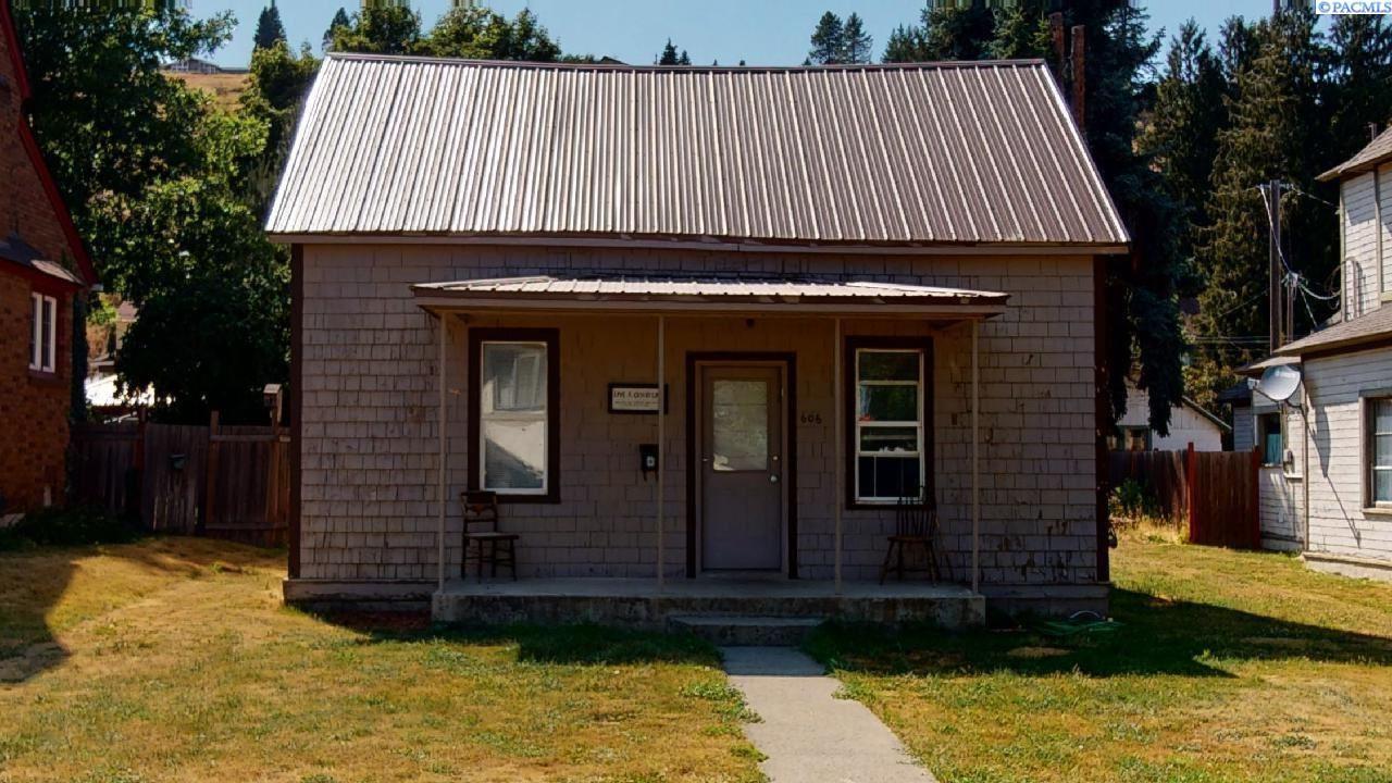 Photo of 606 S Lake Street, Colfax, WA 99111 (MLS # 254950)