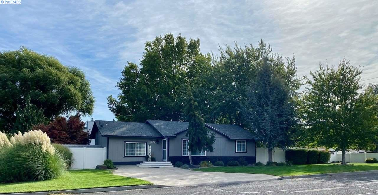 Photo of 4403 S Ione St, Kennewick, WA 99337 (MLS # 248958)
