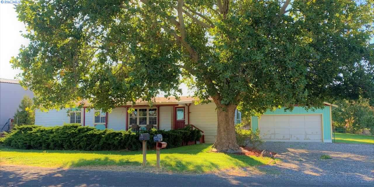 Photo of 22003 E Sandstone Dr, Benton City, WA 99320-7520 (MLS # 248965)