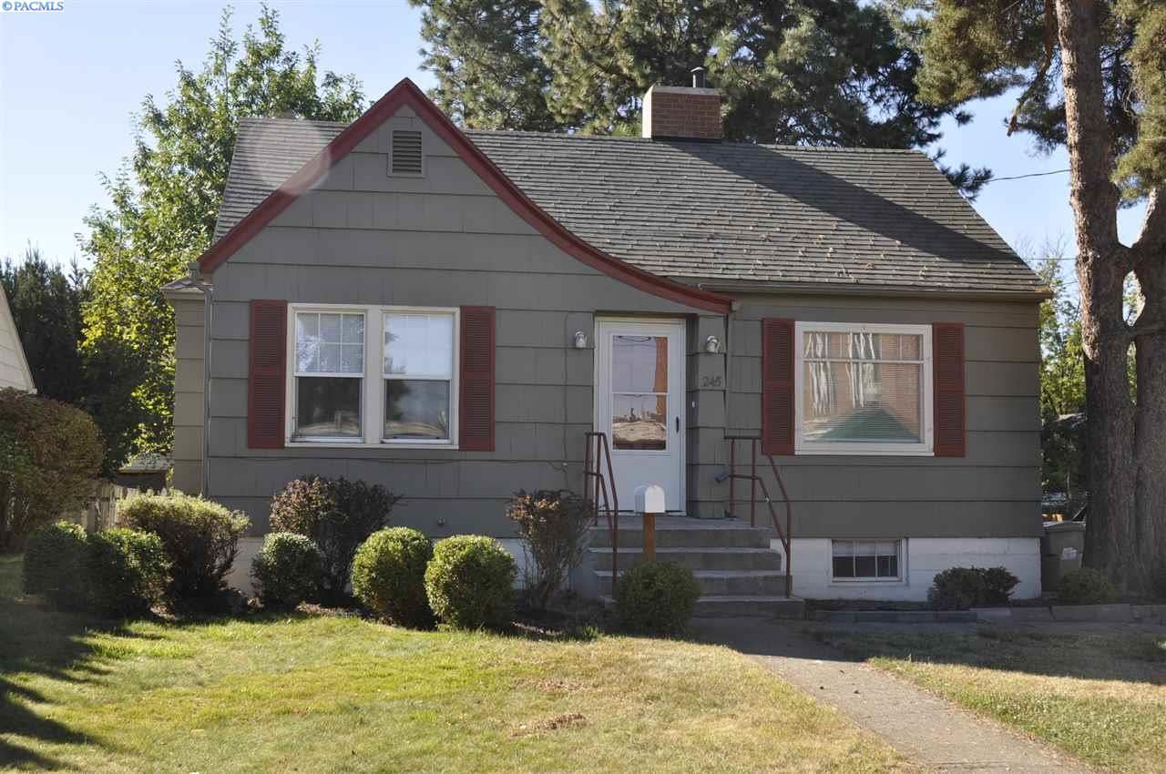 Photo of 245 SE Dexter St, Pullman, WA 99163 (MLS # 248972)