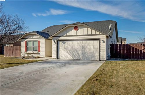 Photo of 6102 Washougal Lane, Pasco, WA 99301 (MLS # 251976)