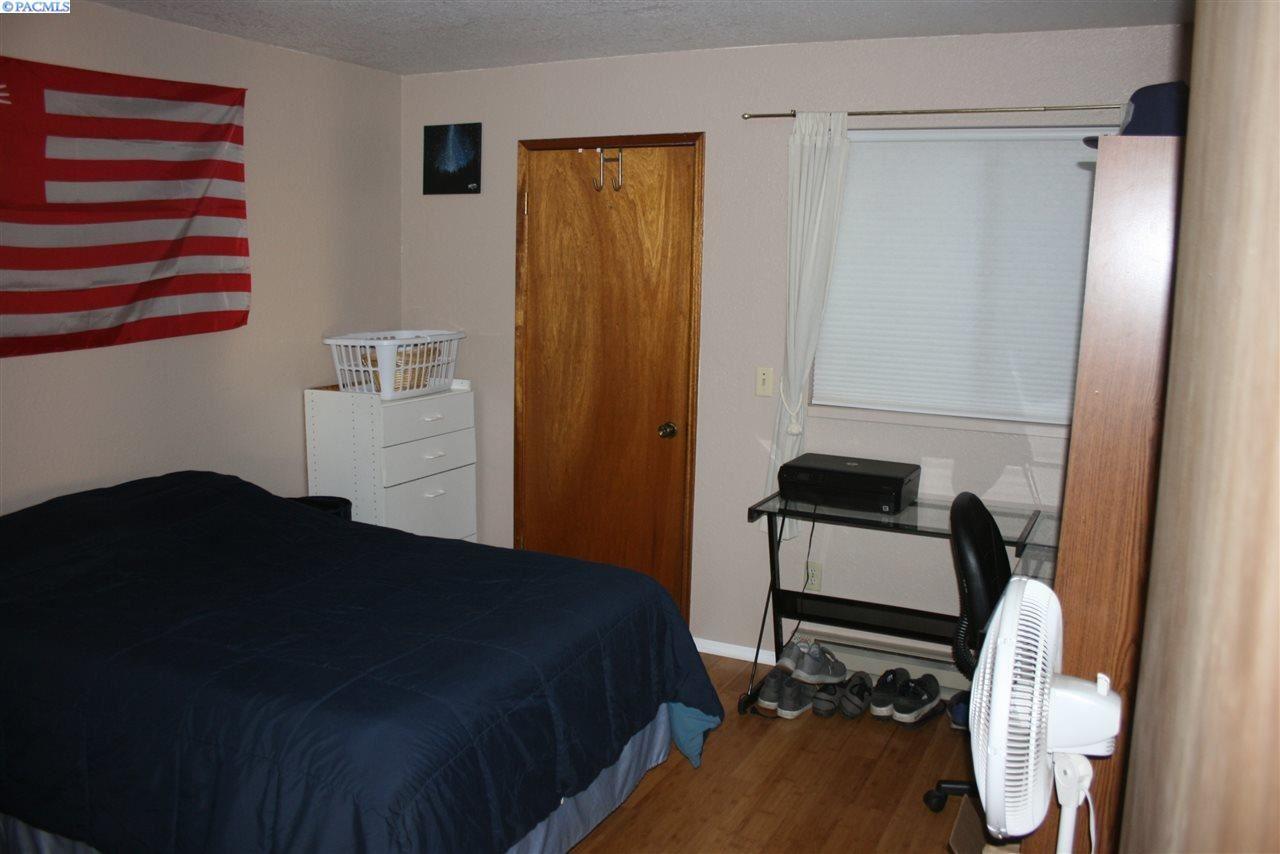 Photo of 1701 NW Lamont CT #B, Pullman, WA 99163 (MLS # 250980)