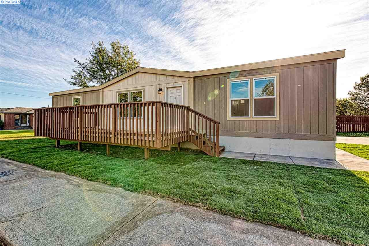 Photo of 523 S Kingwood St., Kennewick, WA 99336 (MLS # 248991)