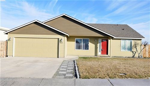 Photo of 5805 Jefferson Dr, Pasco, WA 99301 (MLS # 251998)
