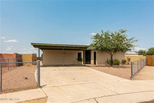 Photo of 6948 N Eclipse Place, Tucson, AZ 85741 (MLS # 22118012)