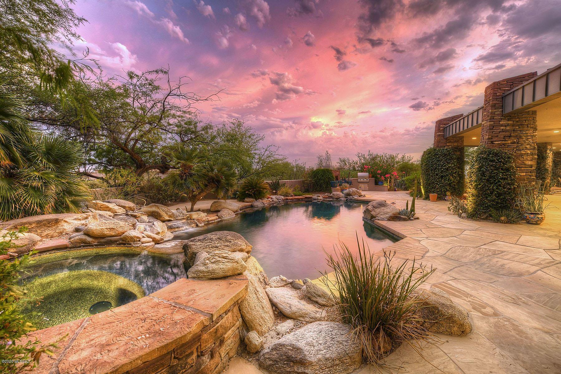 2102 E Sentry Ridge Court, Tucson, AZ 85718 - MLS#: 22021027