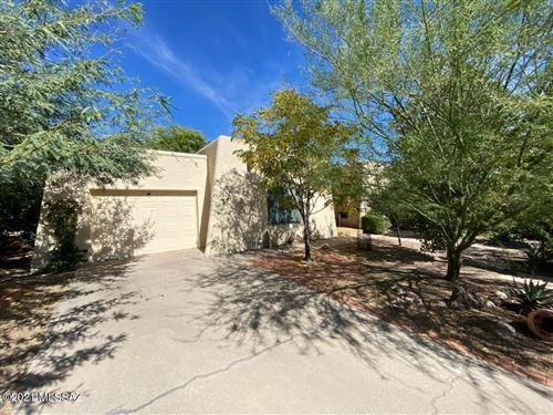 Photo of 16 W Calle Martina, Green Valley, AZ 85614 (MLS # 22125046)